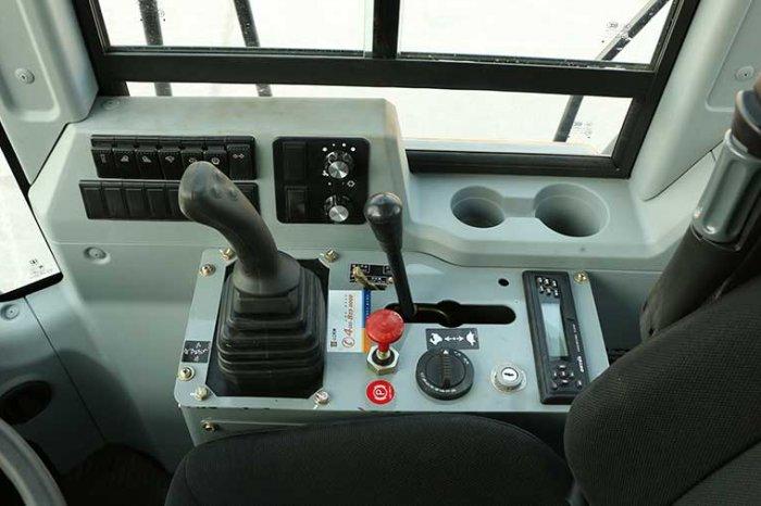 sem wheel loader 655d cabin controls